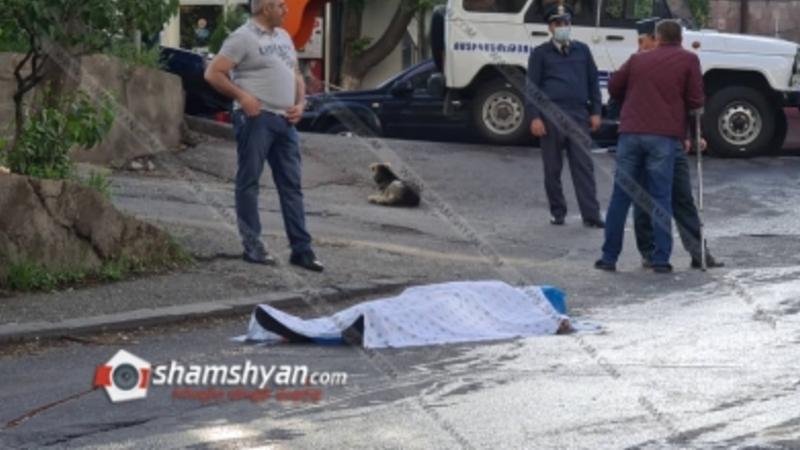 Կրակոցներ Երևանում. կա 1 զոհ, 1 վիրավոր, դեպքի վայրում հայտնաբերվել են ավտոմատից և ատրճանակից կրակված պարկուճներ, ու Mercedes, որի մեջ կա բիտա