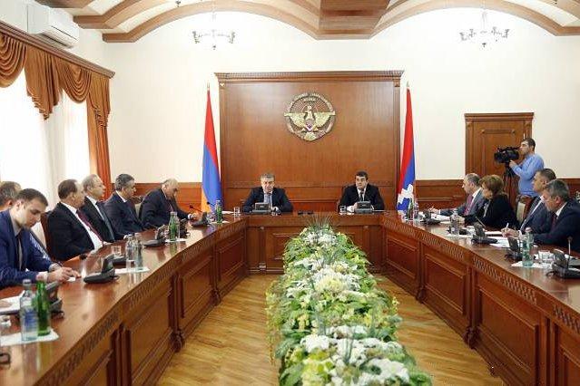 Ստեփանակերտում տեղի է ունեցել խորհրդակցություն` Հայաստանի և Արցախի վարչապետերի մասնակցությամբ