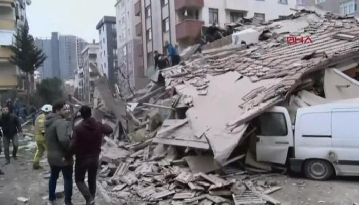 Ստամբուլում բնակելի շենք է փլուզվել.կան զոհեր (տեսանյութ)