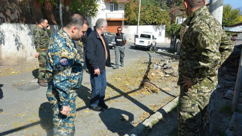 Տեսանելի վայրերում Ստեփանակերտն արդեն մաքրվել է պայթած ու չպայթած ռումբերից ու արկերից. ԱՀ արտակարգ իրավիճակների պետական ծառայություն