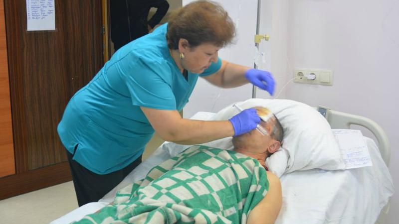 Ստեփանակերտի հրթիռակոծության ժամանակ ծննդատան հարևանությամբ 2 քաղաքացի է տուժել. մեկը վիրահատվում է, մյուսը պատրաստվում է վիրահատության․ ԱՀ ԱԻՊԾ