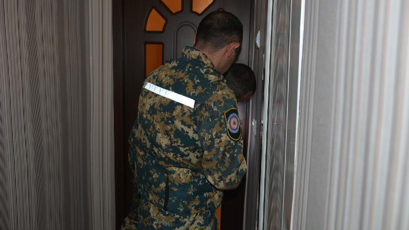Ստեփանակերտի շենքերից մեկի տան խոհանոցում դուռը կողպվել ու չի բացվում, խոհանոցում մոտ 3 տարեկան երեխա է մնացել․ ահազանգ ԱՀ ԱԻՊԾ-ում