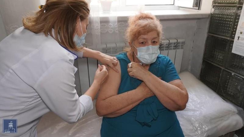 Տարեցների խնամքի կենտրոններում ընթանում են կորոնավիրուսի դեմ պատվաստումները
