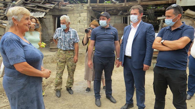Սուրեն Պապիկյանն ու Հայկ Չոբանյանը շրջել են հակառակորդի հրետակոծությունից տուժած համայնքներում` հետևել շինարարական աշխատանքների ընթացքին (լուսանկարներ)