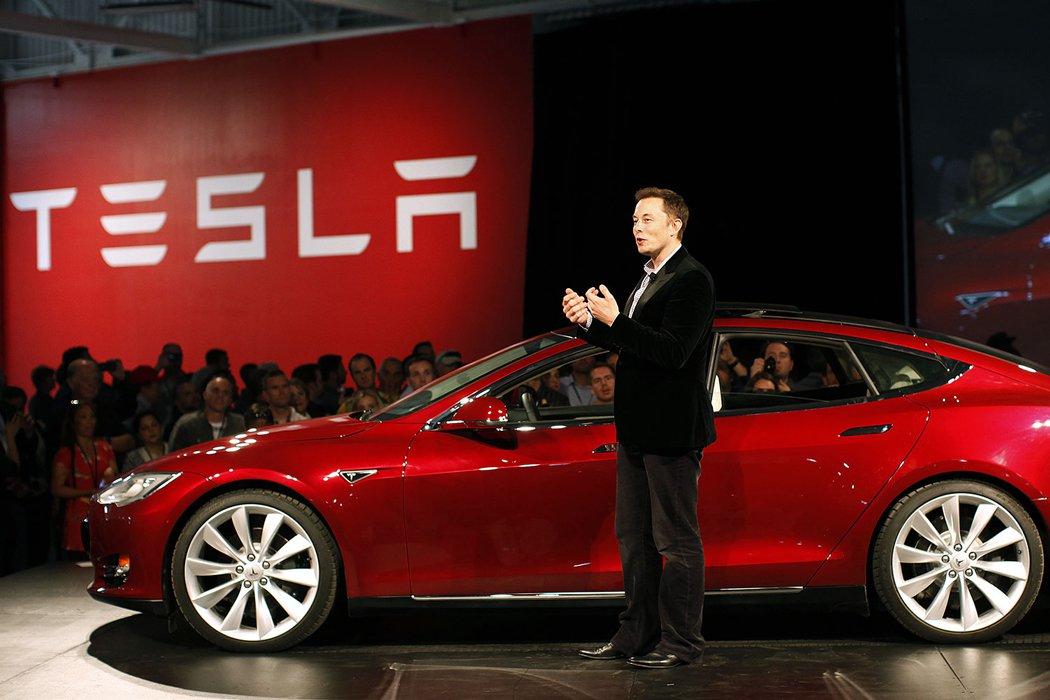 2018 թվականին Tesla ավտոմեքենան առաջին անգամ առանց վարորդի կհատի ԱՄՆ-ը