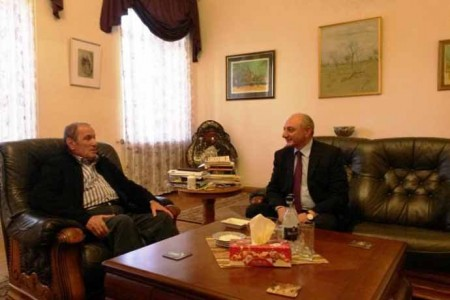 Լևոն Տեր-Պետրոսյանն ընդունել է Արցախի նախագահին. քննարկվել է Հայաստանի ներքաղաքական իրավիճակը