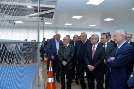 Սերժ Սարգսյանն այցելել է ՀԱՊՀ օդային ռոբոտատեխնիկայի ուսումնահետազոտական կենտրոն (լուսանկարներ)