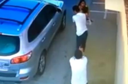 Տեսախցիկն արձանագրել է, թե ինչպես են սպանում բրազիլիացի փաստաբանին դստեր աչքի առաջ