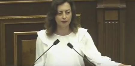 Ազգային ժողովի պատմական նիստը բացեց Լենա Նազարյանը