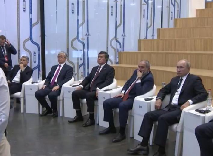 ՀՀ վարչապետ Նիկոլ Փաշինյանը ԵԱՏՄ պետությունների առաջնորդների, ինչպես նաև Իրանի ու Մոլդովայի նախագահների հետ ծանոթանում է Թումո կենտրոնի գործունեությանը(տեսանյութ)
