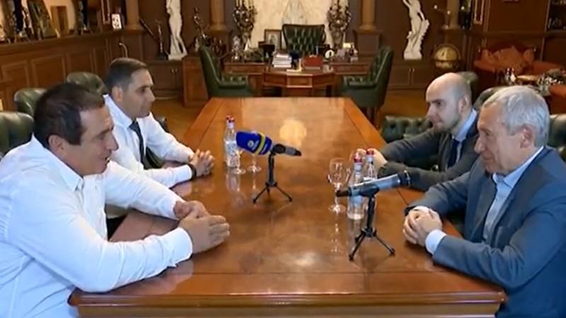 Գագիկ Ծառուկյանը հանդիպել է ՌԴ իշխող՝ «Եդինայա Ռոսիա» կուսակցության գլխավոր խորհրդի քարտուղարի տեղեկալ, սենատոր Ա. Կլիմովի հետ (տեսանյութ)
