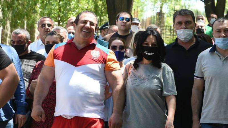 Դատախազի խորհրդականը անդրդարձել է Գագիկ Ծառուկյանին անձեռնմխելիությունից զրկելու վերաբերյալ լուրերին