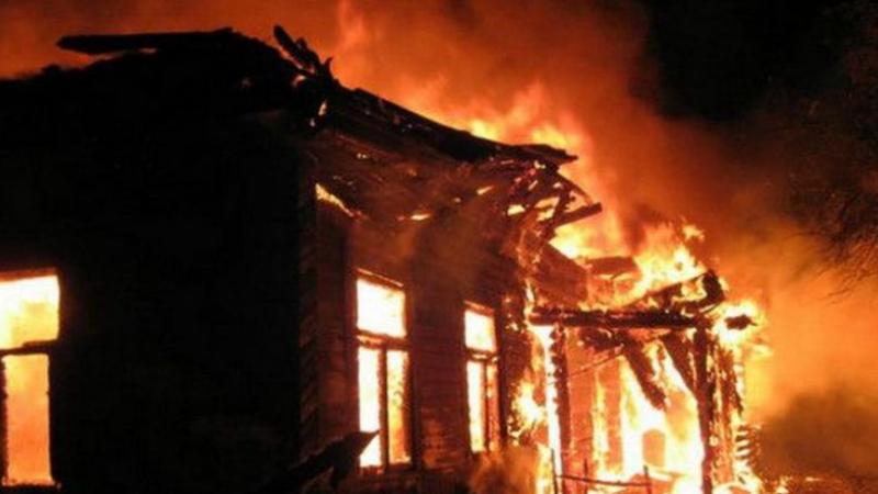 Հրազդան քաղաքում ինքնաշեն փայտե տնակ է այրվել
