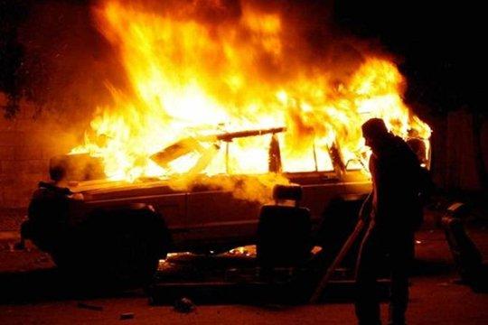Արտաշատի խճուղում ավտոմեքենայի հրդեհ է բռնկվել. վարորդը տեղափոխվել է հիվանդանոց