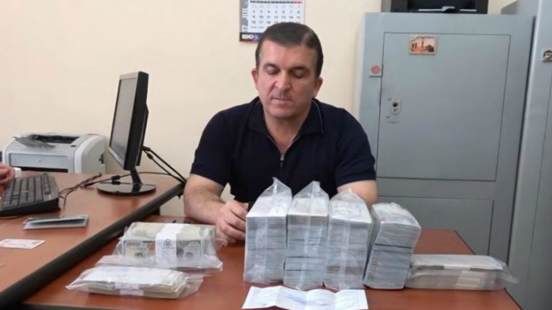 Վաչագան Ղազարյանի կողմից «Յանսի» նախկին գլխավոր  հաշվապահից խոշոր չափի գումար շորթելու գործը կարճվել է․ պաշտպան
