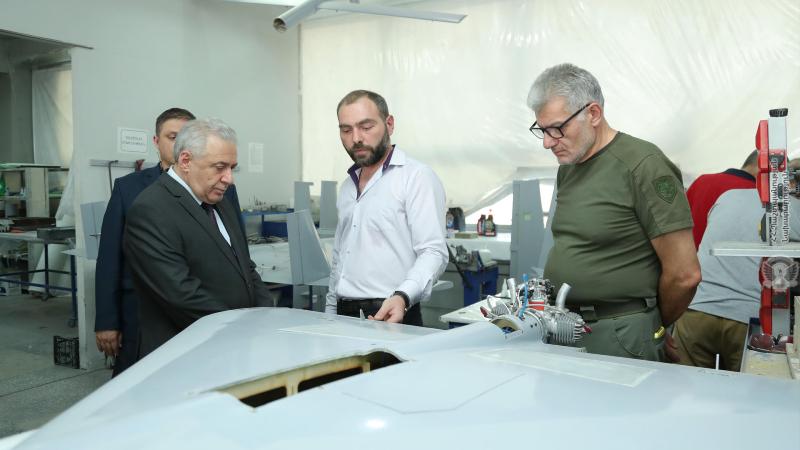 Վաղարշակ Հարությունյանն այցելել է ՀՀ-ում ԱԹՍ-ների և ռադիոէլեկտրոնային միջոցների արտադրությամբ զբաղվող ռազմարդյունաբերական ընկերություններ