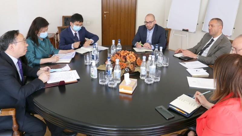 Վահան Քերոբյանը չինական ընկերություններին հրավիրել է մասնակցել Երևան-Գյումրի ճանապարհին նորարարական քաղաքի նախագծման աշխատանքներին