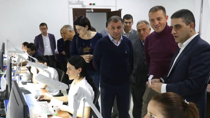 Էկոնոմիկայի նախարարը հանդիպել է Հայաստանի ադամանդագործության և ոսկերչական ընկերությունների ներկայացուցիչների հետ