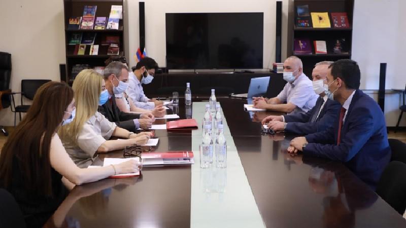 Վահրամ Դումանյանը ԿԽՄԿ-ի պատվիրակության հետ հանդիպման ընթացքում անդրադարձել է Ադրբեջանում պահվող հայ ռազմագերիների խնդրին
