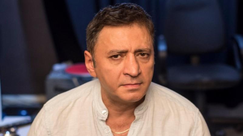 Վահրամ Սահակյանի ներկայացման հարցով զանգել ու սպառնացել են թատրոնի տնօրենին. ռեժիսորը մեկ ժամ ժամանակ է տվել