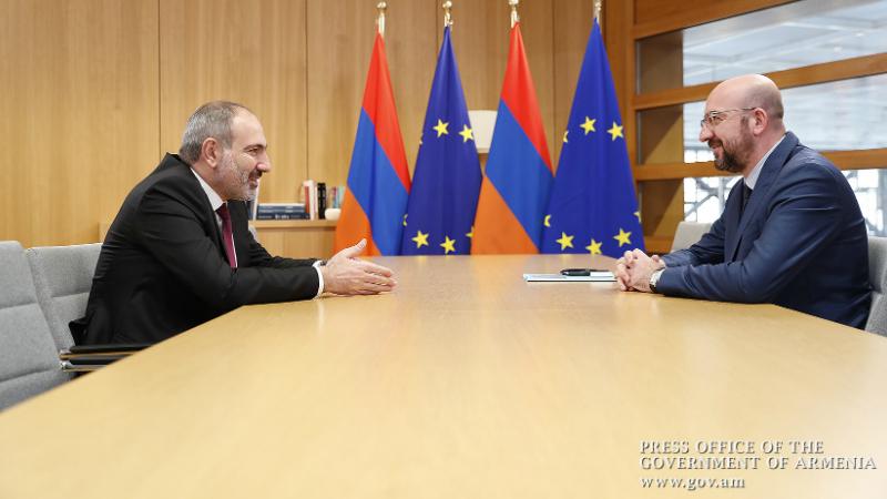 ԵՄ-ն շարունակելու է ակտիվորեն աջակցել Հայաստանին` ժողովրդավարական բարեփոխումները կյանքի կոչելու համար․ Շառլ Միշելը՝ Նիկոլ Փաշինյանին