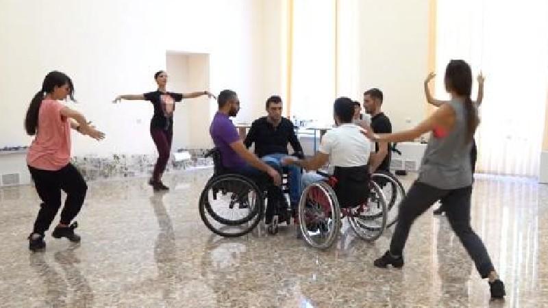 Տղաները պարում են այնպես, ինչպես երբեք չեն պարել. Արմեն Մուրադյան (տեսանյութ)