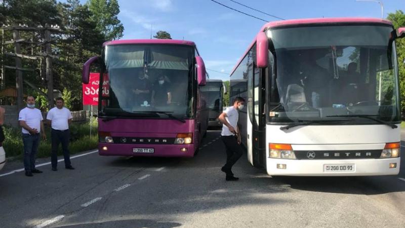 Բացառության կարգով՝ հնարավոր է դարձել Վերին Լարսում օրեր շարունակ գտնվող ՀՀ 71 քաղաքացիների Վրաստանի տարածքով Հայաստան տեղափոխումը․ Վրաստանում ՀՀ դեսպանություն