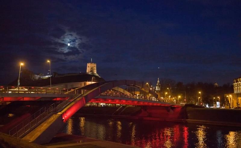 Վիլնյուսի կենտրոնական կամուրջները լուսավորվել են Հայաստանի դրոշի գույներով