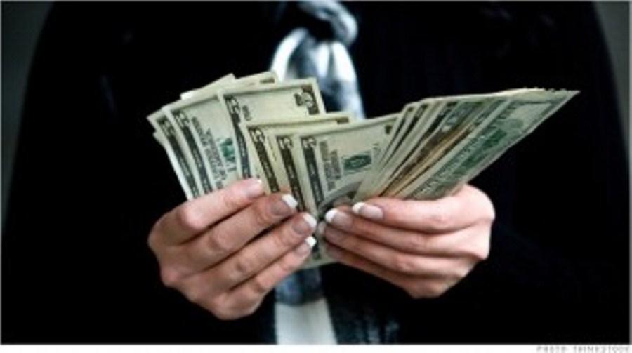 ԲՈՒՀ-ի պրոռեկտորը խաբեությամբ հափշտակել է 20․000․000 դրամ. (տեսանյութ)