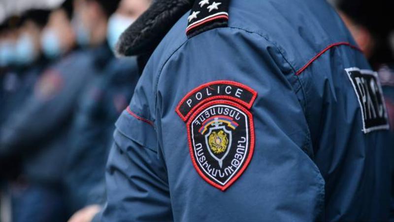 Պարզվում են Ոստիկանության ծառայողի նկատմամբ բռնություն գործադրելու հանգամանքները