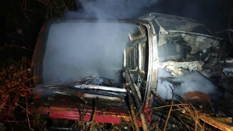 Երևանում 3 հատ չշահագործվող «Ford Transit» մակնիշի ավտոմեքենա է այրվել․ ԱԻՆ
