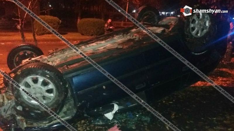 Խոշոր ավտովթար Վանաձորում. 22-ամյա վարորդը Opel-ով բախվել է բազալտե եզրաքարերին և գլխիվայր շրջվել