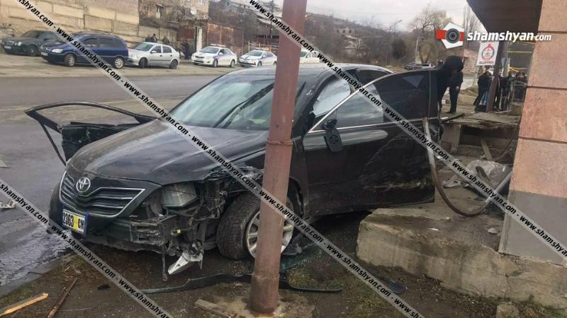 Խոշոր ավտովթար Վանաձորում. բախվել են Toyota Camry-ն, Mercedes Sprinter-ն ու Volkswagen Golf-ը․ կան վիրավորներ