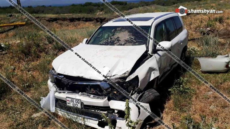 Խոշոր ավտովթար Գեղարքունիքի մարզում. Toyota Land Cruiser-ը մի քանի պտույտ շրջվելով՝ հայտնվել է ձորակում. կան վիրավորներ