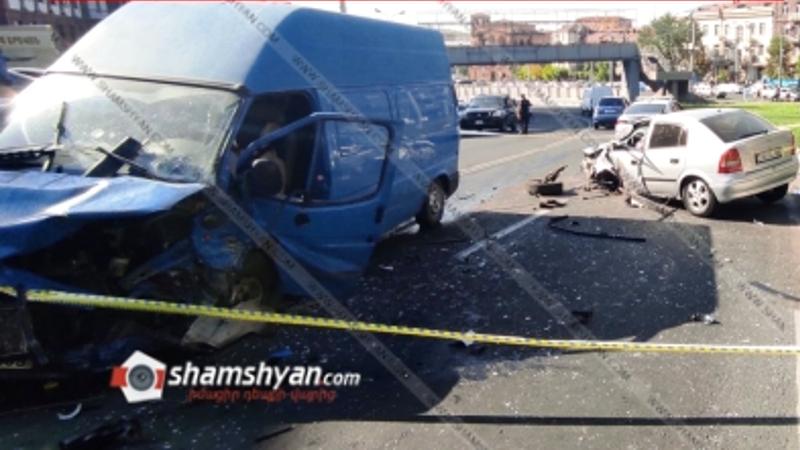 Հերացի փողոցում բախվել են Ford Transit-ն ու Opel-ը. կան վիրավորներ