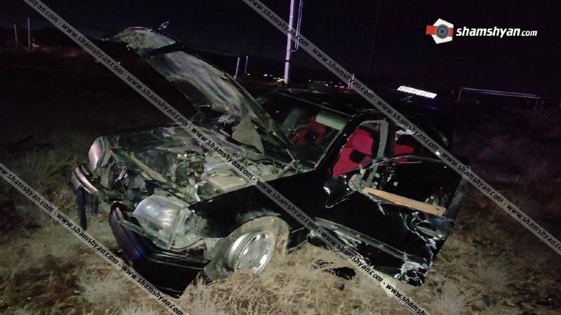 Կատայքի մարզում 28-ամյա վարորդը Mercedes-ով բախվել է գազախողովակներին, մի քանի պտույտ շրջվելով՝ հայտնվել դաշտում. կան վիրավորներ