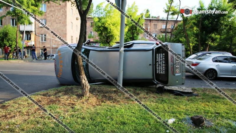 Խոշոր ավտովթար Երևանում․ Էստոնական փողոցում բախվել են BMW-ն ու Opel-ը, վերջինս կողաշրջվել է․ կա վիրավոր