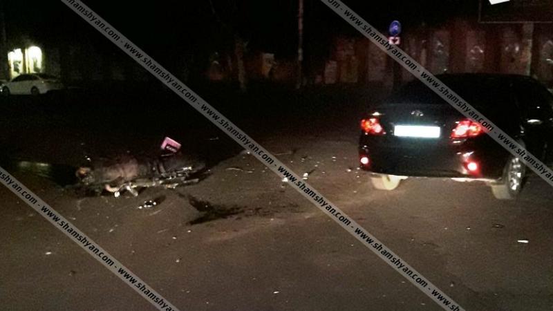 Երևանում բախվել են Toyota-ն ու մոտոցիկլը. կան վիրավորներ. մոտոցիկլավարը եղել է ոչ սթափ