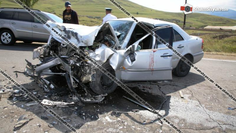 Կոտայքի մարզում ճակատ-ճակատի բախվել են Mercedes-ն ու Skoda-ն. 6 վիրավորներից 2-ը երեխաներ են
