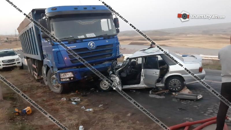 Շիրակի մարզում ВАЗ 21015-ը մխրճվել է բեռնատարի մեջ․ կա տուժած