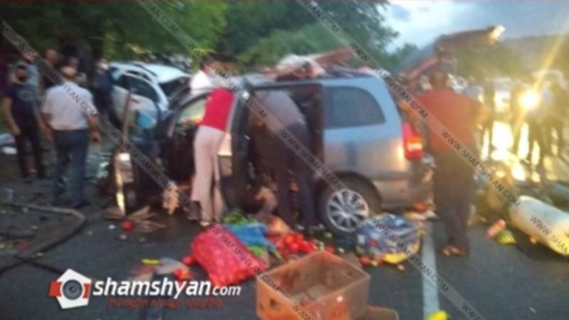 Խոշոր ավտովթար Վայոց Ձորի մարզում. ճակատ-ճակատի բախվել են Kia-ն ու Opel-ը, 4 վիրավորներից 2-ը ծայրահեղ ծանր են