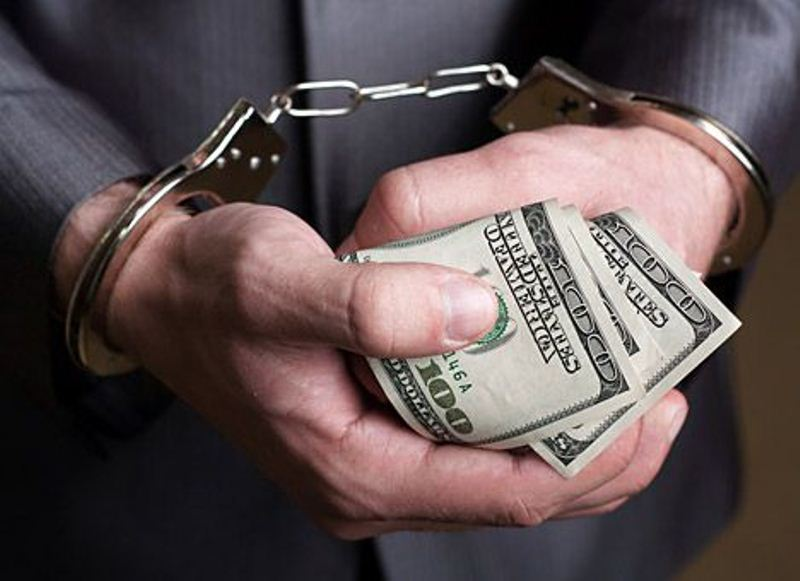 «Վանաձոր» ՔԿՀ-ի պետի պաշտոնակատարը դատապարտյալից պահանջել եւ ստացել է 2500 դոլար կաշառք. ՀՔԾ