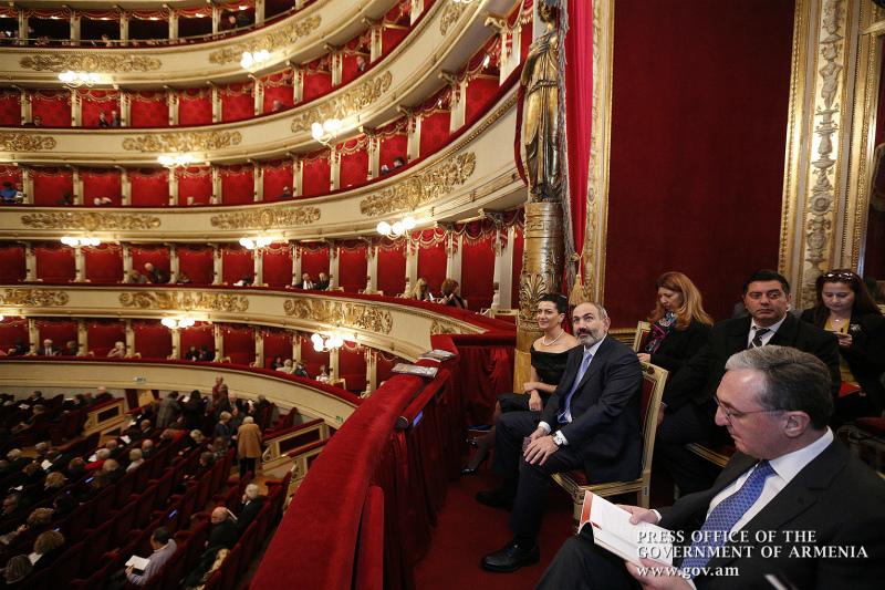 Նիկոլ Փաշինյանը և Աննա Հակոբյանը Իտալիայում այցելել են  «Լա Սկալա» օպերային թատրոն