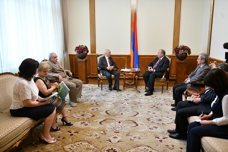 Նախագահ Սարգսյանն ընդունել է Հայաստանի Դեմոկրատական կուսակցության ներկայացուցիչներին
