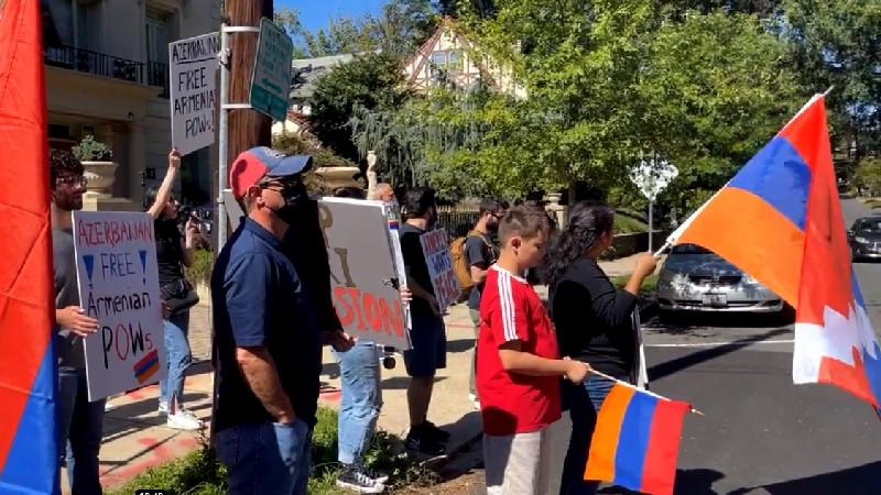 Վաշինգտոնի հայ համայնքը բողոքի ակցիա է կազմակերպել Ադրբեջանի դեսպանատան առջև (տեսանյութ)