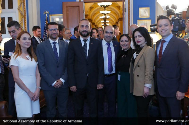 ԱԺ նախագահը հանդիպել է ԱՄՆ կոնգրեսականների հետ