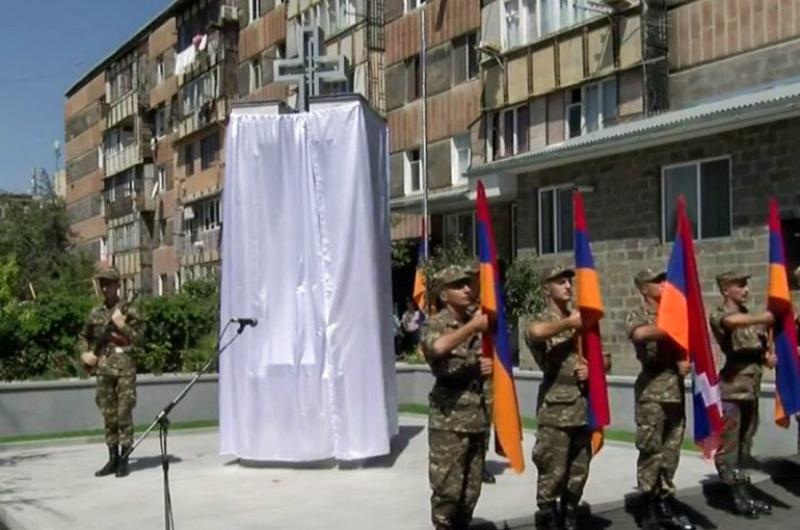 Մեծամորում բացվեց Ապրիլյան պատերազմում զոհված զինծառայողների հուշարձան