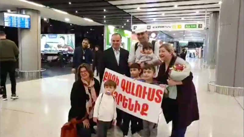 Զարեհ Սինանյանն անձամբ է դիմավորել Ավստրալիայից հայրենադարձված հայ ընտանիքին (տեսանյութ)