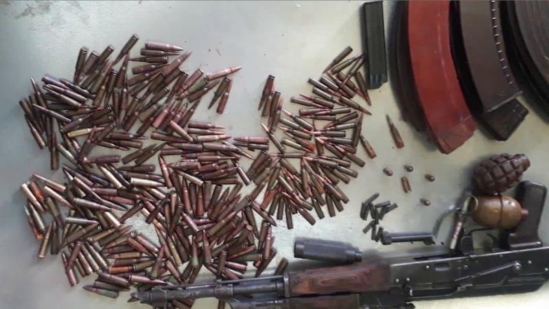 Ախուրյանի ոստիկանները ապօրինի զենք-զինամթերք են հայտնաբերել Գյումրիում