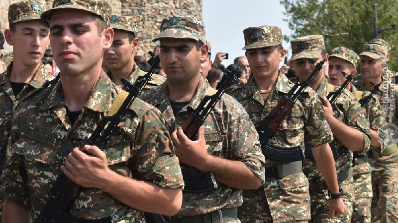 Զինված ուժերում մեկնարկել են նորակոչիկների զինվորական երդման արարողությունները